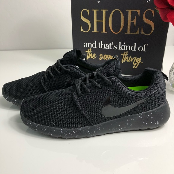 cheap for discount 72961 9a665 Nike Roshe ID Speckled Sole Black On Black NWT. M 5b1b0595a5d7c63919291caf